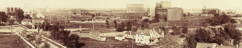 fragment from a panorama of Southeast Minneapolis in about 1901... click to see Minneapolis photos at the Library of Congress