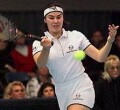 Martina Hingis vs Lindsay Davenport on Sunday, Nov. 16