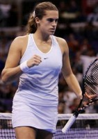 click for Amelie Mauresmo news photo search
