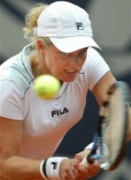 click for Yahoo! Clijsters news photo search