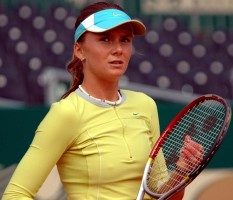 click for Warsaw tourney photo gallery Hantuchova pics