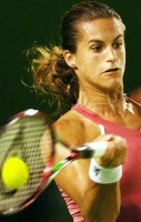 click for Mauresmo news photo search