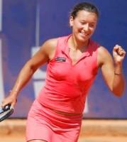 click for Serra Zanetti news photo search